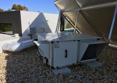 Sistema de extração e insuflação de ar por fluxos cruzados