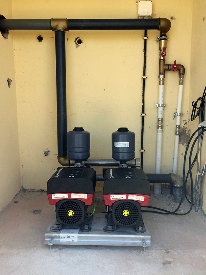 Grupo hidropressor com velocidade variável e pressão constante